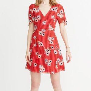 NWT Madewell Button Wrap Daisy Print Dress Size 0